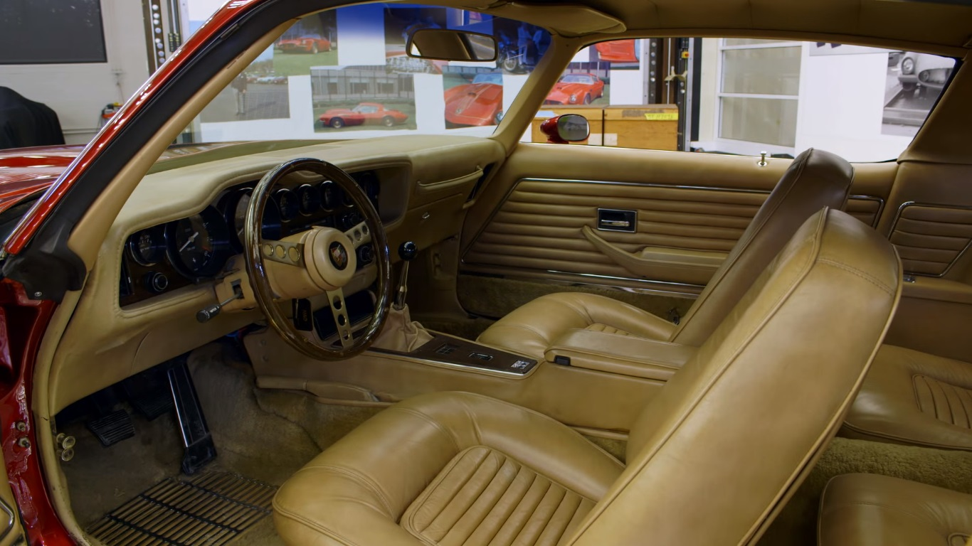 General Motors Pegasus '71 interior.jpg